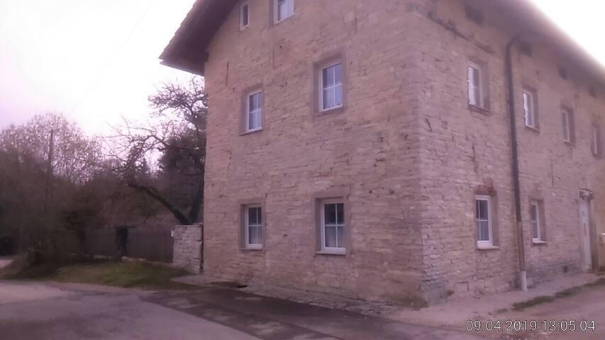 Jurahaus Maisonette Wohnung  Obergeschoss und DG
