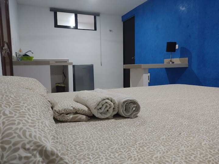 Buenavista Inn 3. Estudio con baño, cocineta y A/A