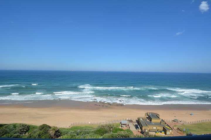 902 Bermudas Ocean View Apartment, Umhlanga