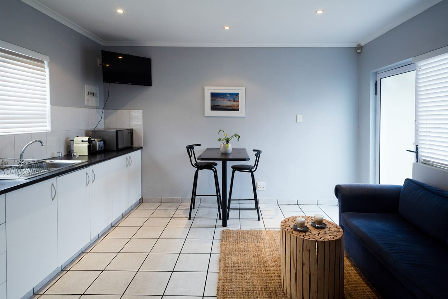 Private one-bedroom self-catering apartment based in Blouberg