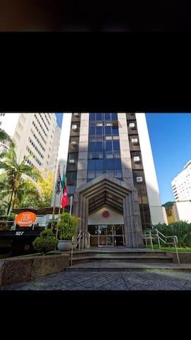 Apartamento no Itaim bibi em hotel