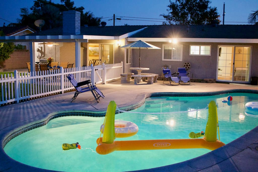 Disney grand opening special 139 apr pool jacuzzi for Leslie pool garden grove