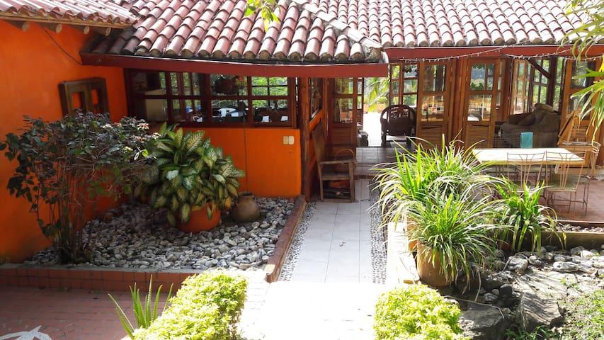Descanso en las Nubes - Villeta - Guesthouse