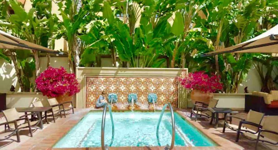 Charming 1B/Pool view/Disney/Spectrum/Luxury