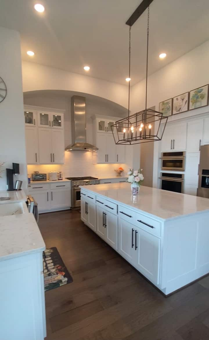 Private rooms in a beautiful subdivision