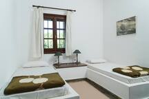 bedroom on the grounfd floor