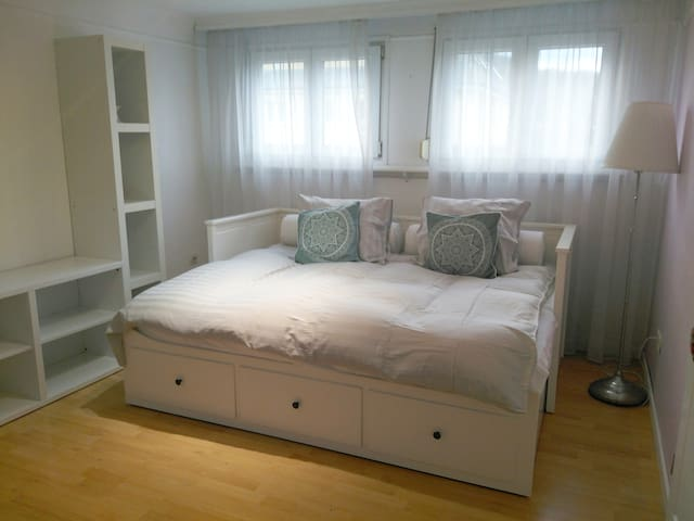 Bright Double Bedroom for 2