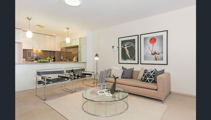 Beautiful & breezy resort style apartment - Pymble - Apartamento