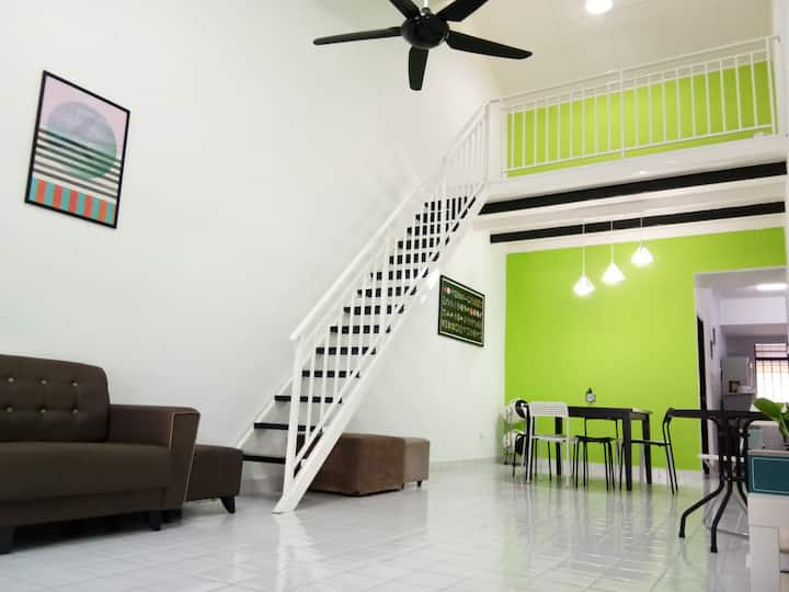 Single storey Family Loft House,3R 6pax, Ulu Tiram