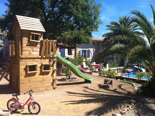 Villa piscine vue mer 7km aéroport nice