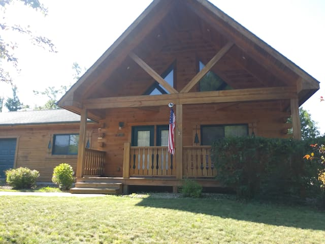 Home Away From Home in Beautiful Warrens, WI!