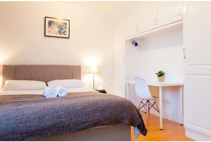Studio Flat in Chelsea