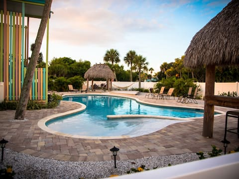 335 Canal Rd - Lovely Condo with Must See Pool Just a Block from Siesta Key Village (Pet Friendly!!)