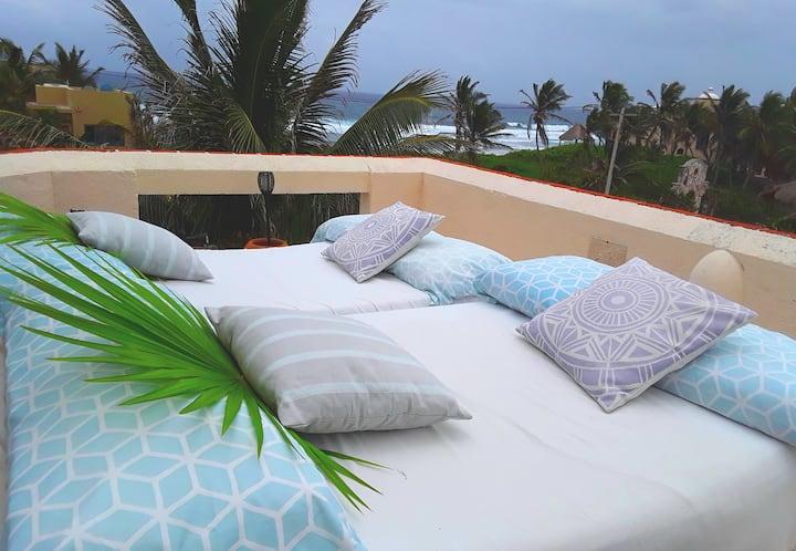 Seaviews, Roof Terrace w/Spa, Pool, Tropical Oasis