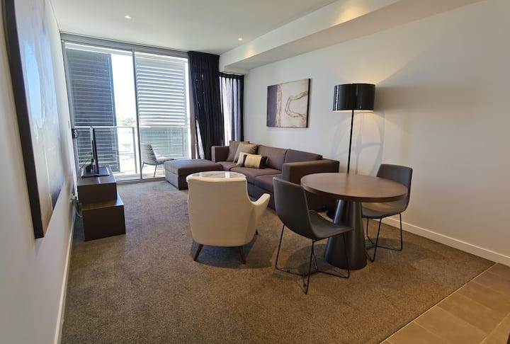 KOZYGURU | Chatswood | Luxury Studio | Walk to Chatswood Chase
