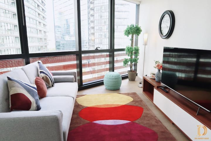 Stylish one bedroom apartment in Docklands