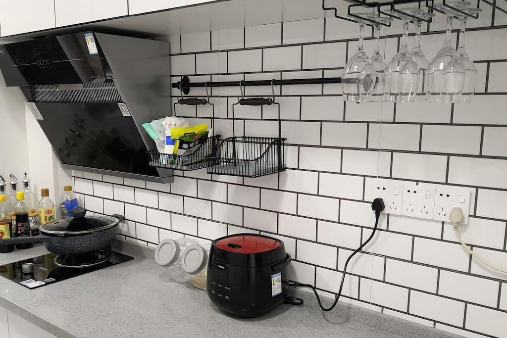 公用厨房 配备简单的厨具
