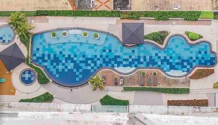 1 BR condo unit at Makati w/ swimming pool & gym