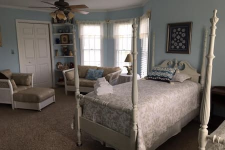 """Country Living- #4 of 4 rooms, """"Nostalgia"""""""