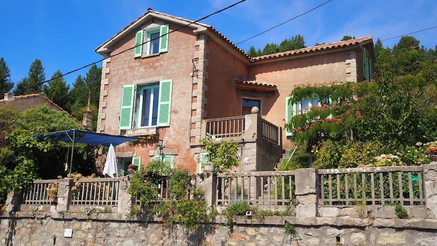 Maison de Charme entre mer et montagne - Évisa - Casa