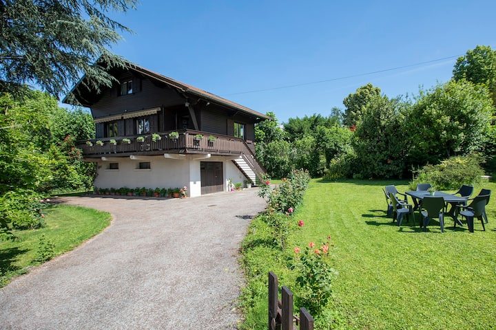 Chalet for 8, close to mountains and lake
