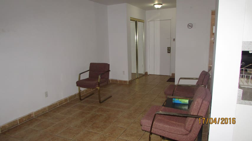 2 Chambres à coucher à Longueuil, Québec, - Longueuil - Wohnung