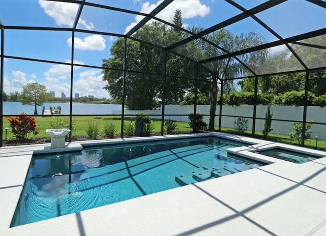 Downtown Lakehouse, Best View in Orlando!