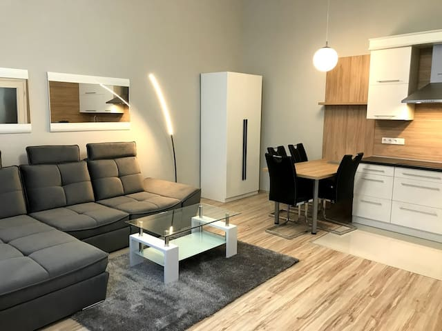 Sziszi Apartman, Szombathely belváros