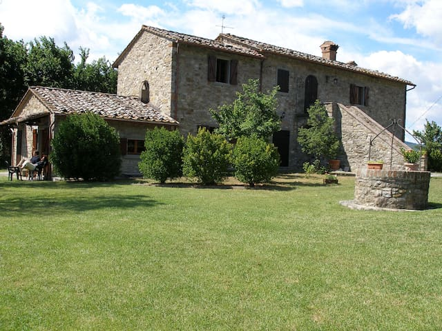 Beautiful country house with large garden and pool - Umbertide - Casa
