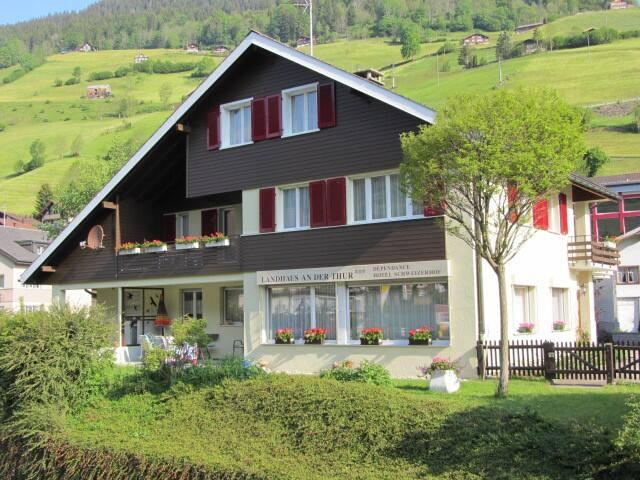 """Gästehaus """"Landhaus an der Thur"""" Alt St. Johann"""