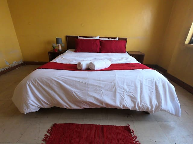 Close to the Nairobi bus terminal & comfort room