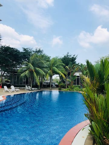 Fairway Suites#Cozy Stay#Bukit Indah