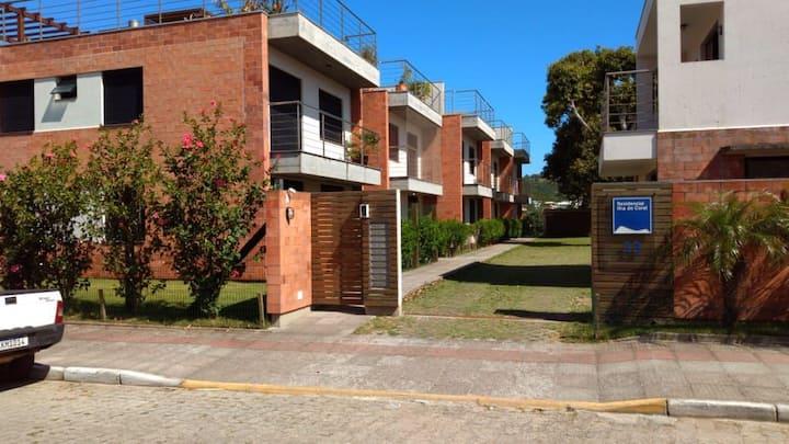 Apartamento de 2 dormitórios no Centro Histórico