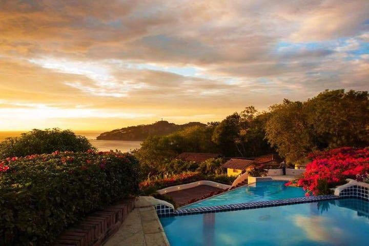 Modern Villa-Loft Getaway  with ocean vistas