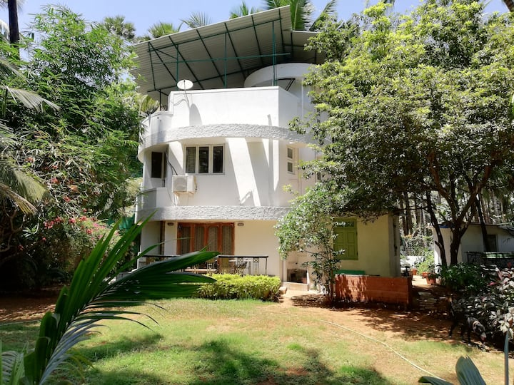 DHARTI YOGA RETREAT & WELLNESS CENTRE, MADH ISLAND