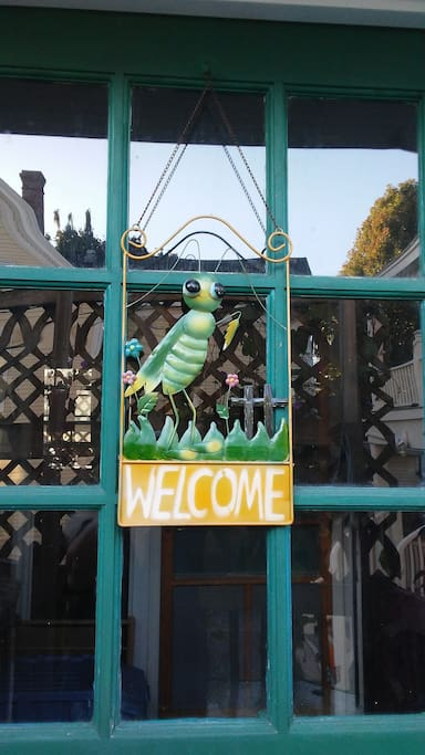 Welcome to Lincoln St! Porch entrance.