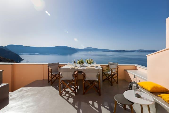 The Caldera view villa in Oia