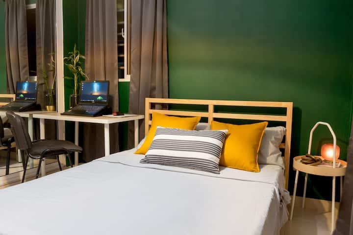 Habitación calidad y acogedora, ambiente amigable!