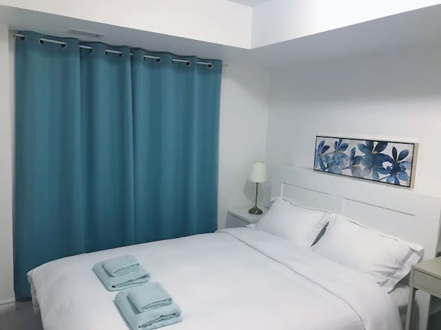 Simple & clean bedroom near Sheppard West Stn