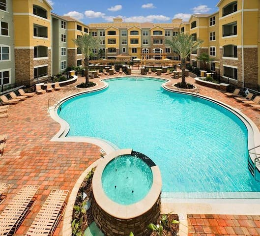 Resort style condo Master Suite - Jacksonville