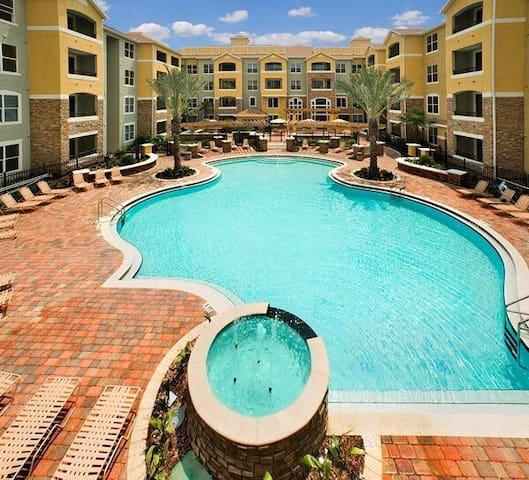 Resort style condo Master Suite - Jacksonville - Apartament