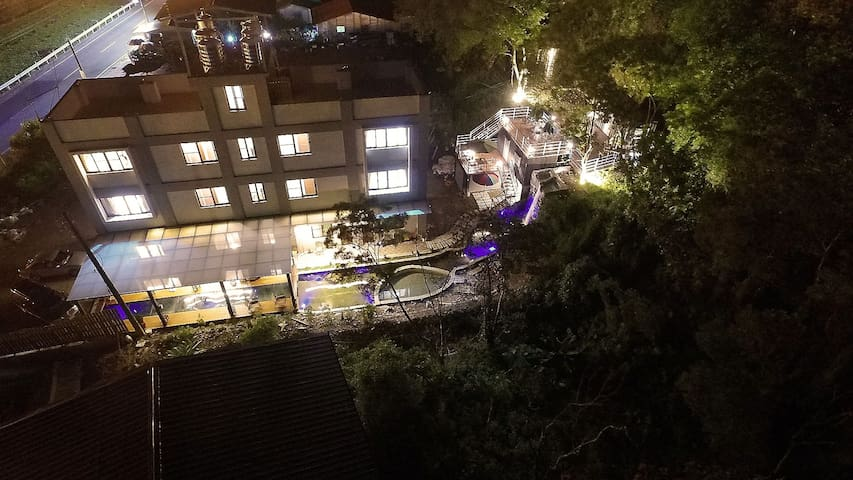 埔里觀瀑渡假民宿-典雅時尚雙人房