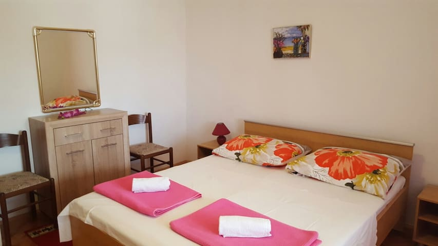 Room Jenny 3 for 2pax with sea view and terrace
