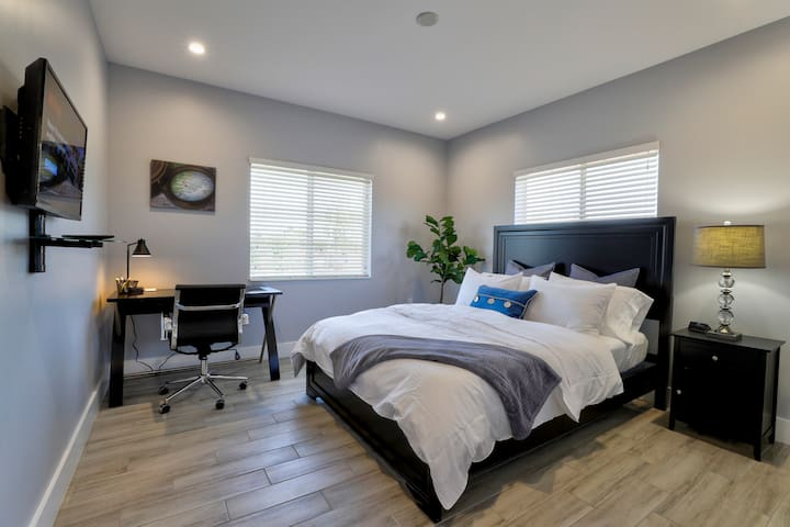 ✹New Construction 2BR in the ♥ of Miami | Unit B✹