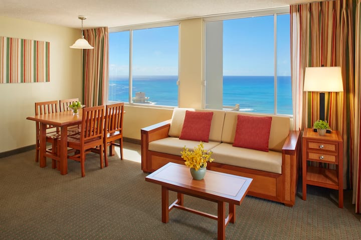 Waikiki Ocean View Suite Kitchen with 2 Twin Beds