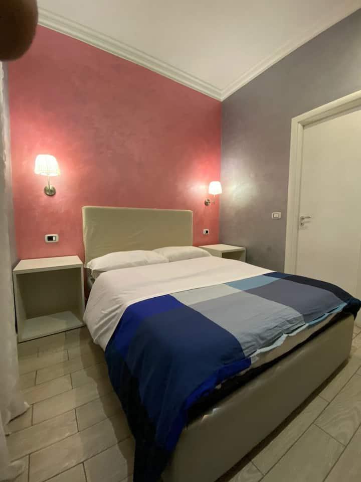 Camera singola con bagno interno