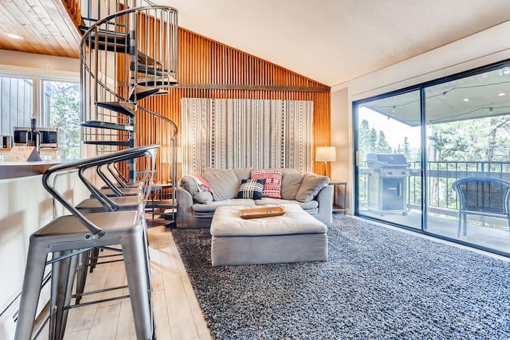Breck Treetop Loft, 2 Bedroom + Loft with a View