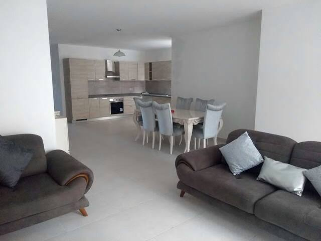 Spacious, modern 3 bedroom apartment in Qawra