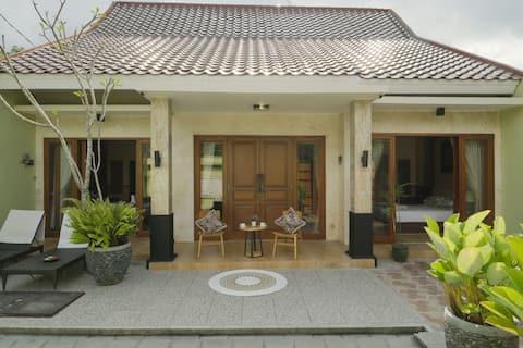 Promo Villa Vanya Jogja (8-10p ) con piscina privada