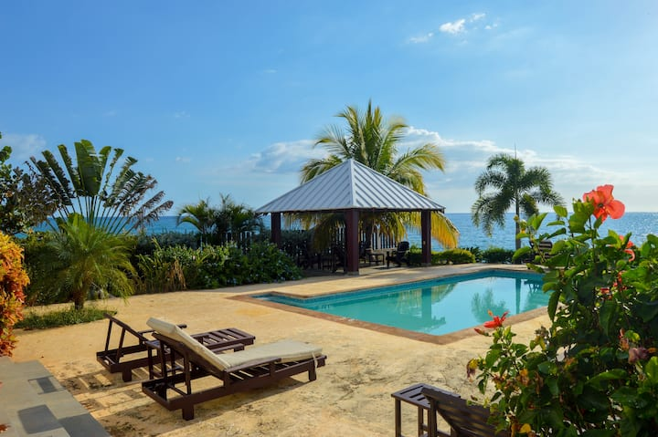 4 Bedroom Waterfront Cottage the South Coast of JA